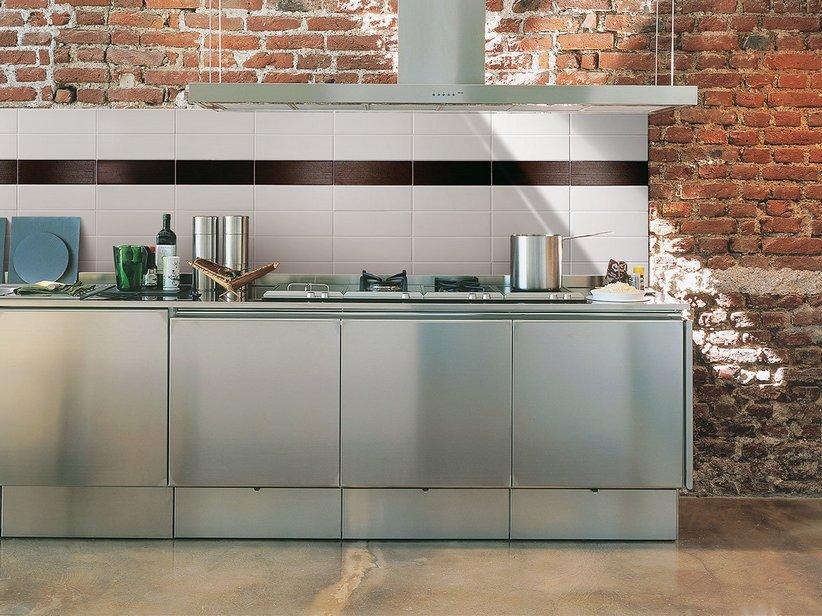 Forum piastrelle in cucina ma dove for Piastrelle paraspruzzi cucina