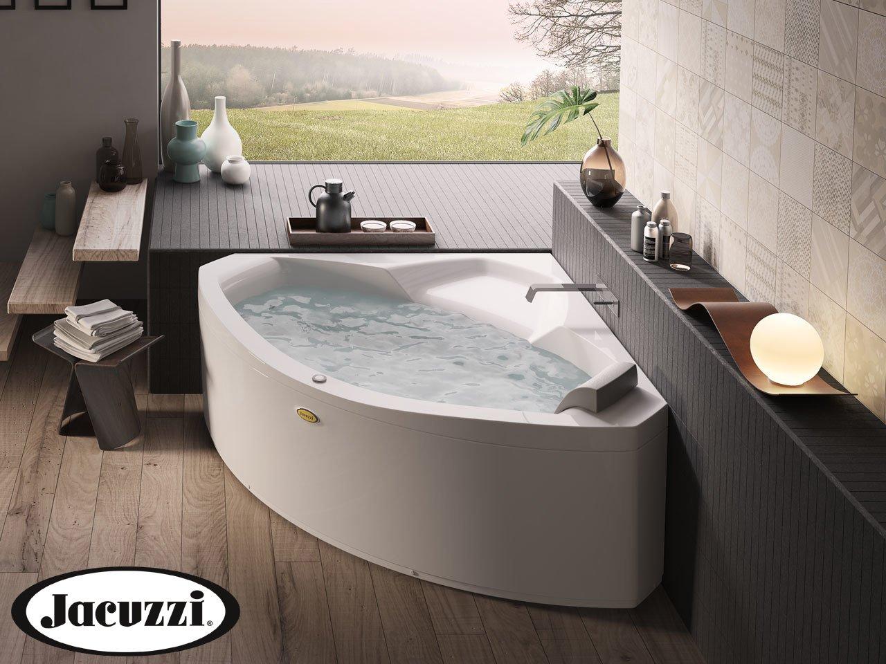 Jacuzzi vasca idro essential 130 145 iperceramica for Vasche da bagno jacuzzi