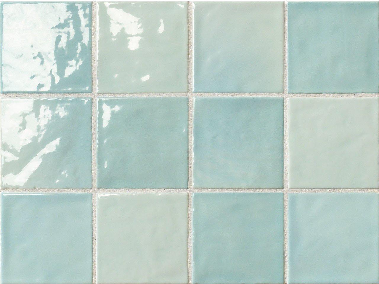 Bagno piastrelle blu idee di design per la casa - Piastrelle 10x10 bagno ...