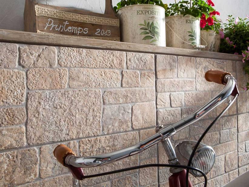 Tavolini soggiorno moderni - Piastrelle rivestimento esterno ...