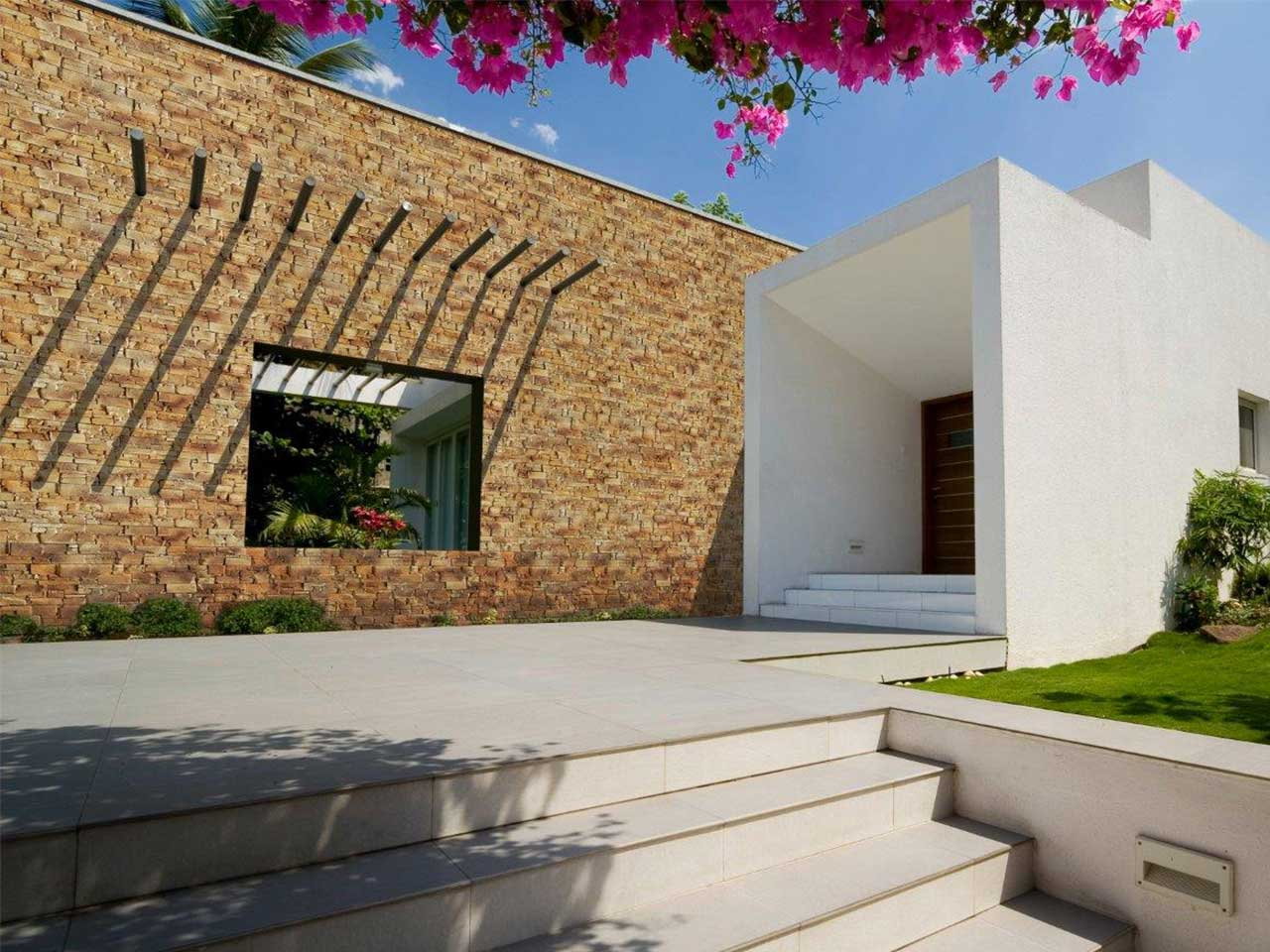 Facciate case moderne la villa vacanze in affitto isola for Facciate case moderne