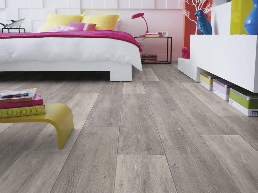 Sf click 50 cerused oak light brown pvc iperceramica for Zoccolo casa moderna