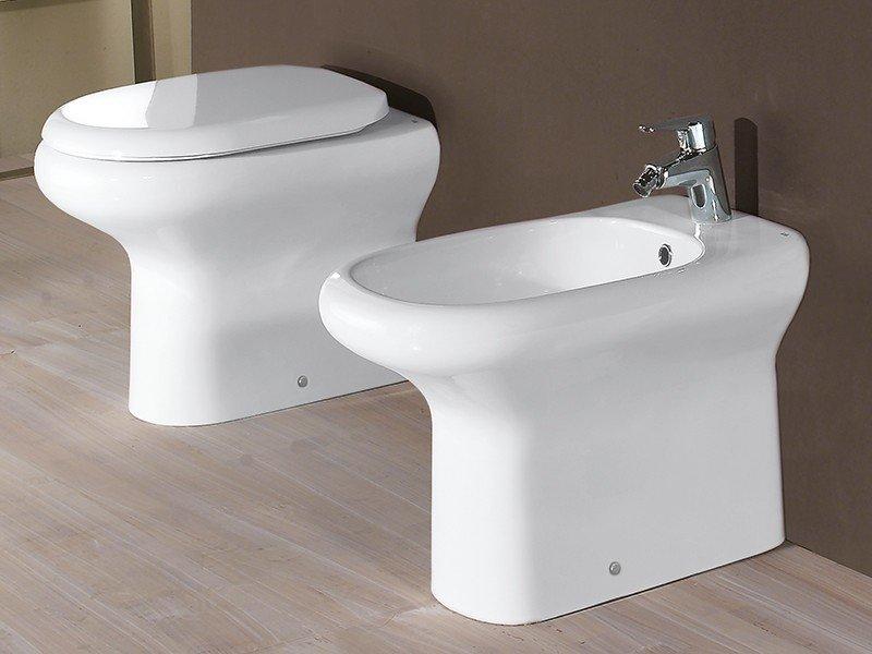 Dublino wc a terra filo muro sc univ iperceramica for Offerta sanitari bagno