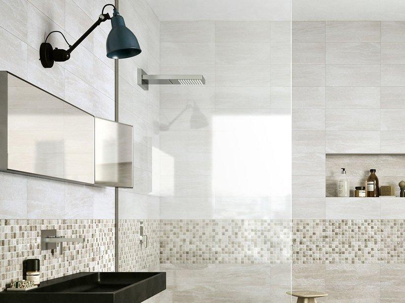 Rivestimento bagno effetto marmo tivoli iperceramica - Piastrelle grigie bagno ...