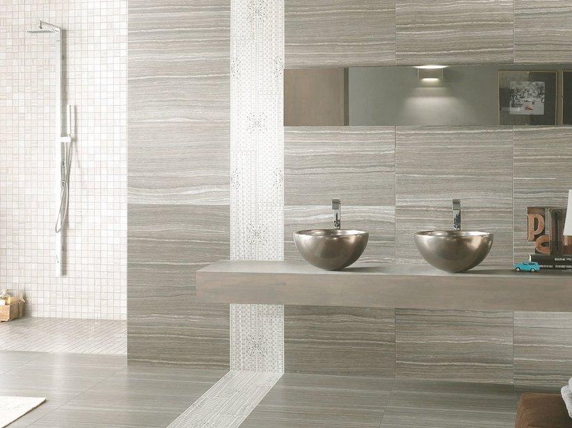 Casa mobili interni: rivestimento mosaico bagno