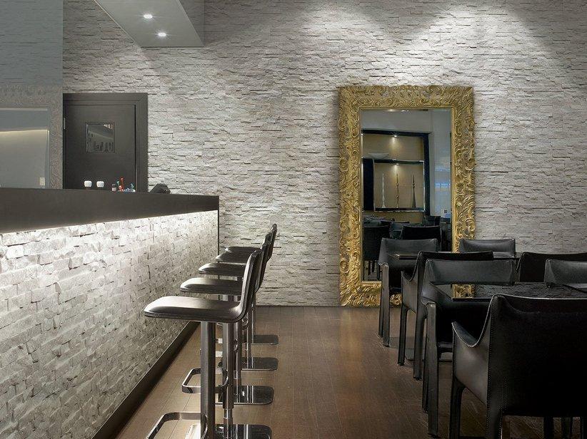 Rivestimento in quarzite natstone white iperceramica - Rivestimento cucina effetto pietra ...