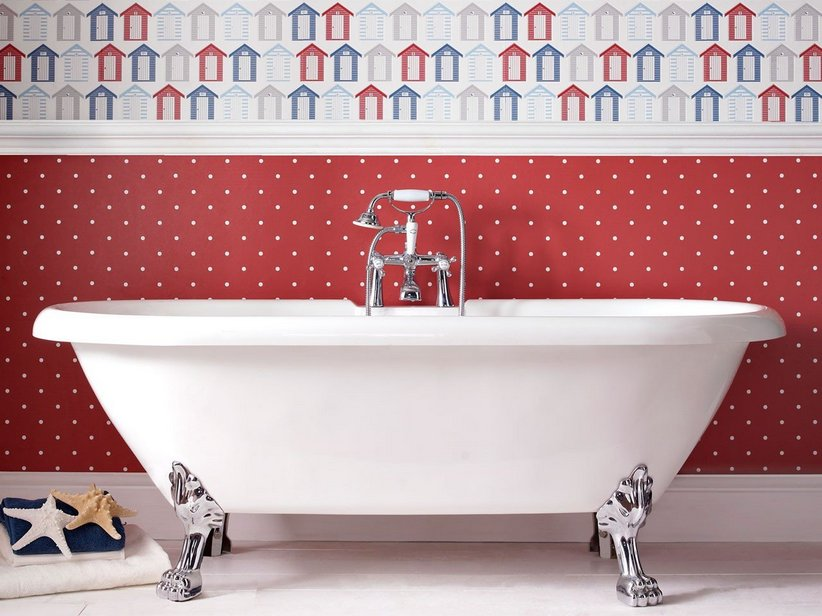 Vasca Da Bagno Piedini : Piedini di giovane donna in vasca da bagno con schiuma u foto